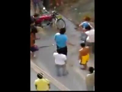 Thief Beaten on the Street Like a Boss