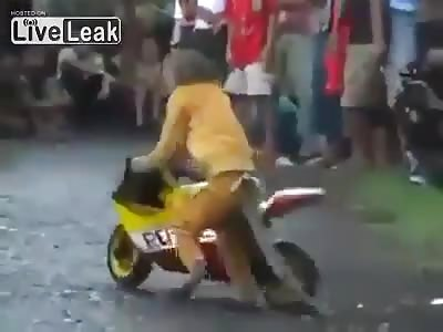 MONKEY DRIVES A MOTORCYCLE